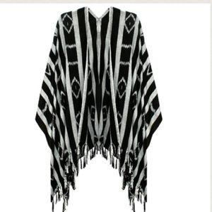 Ketzali silky & flowy Geo Fringe Kimono / wrap